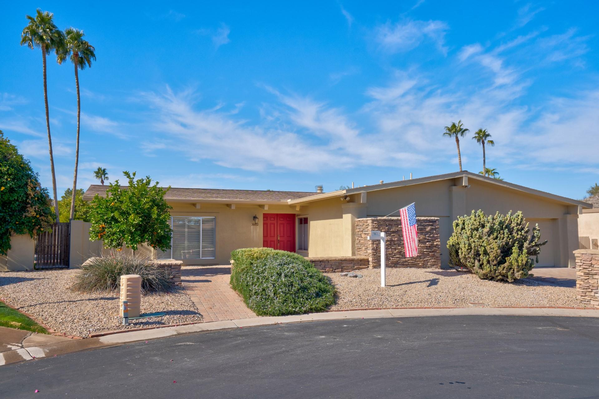 3002 E Golden Vista Ln., Phoenix, AZ 85028